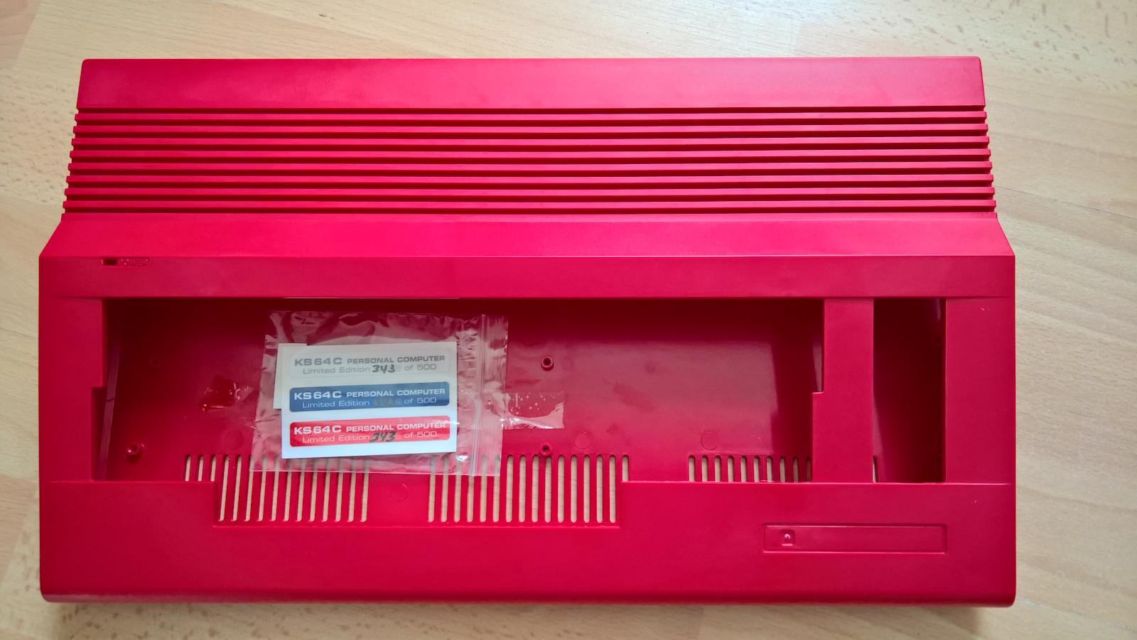 Limitiertes ks64 Case in rot, Nummer 343 von 500. (Bild: Stefan Vogt)
