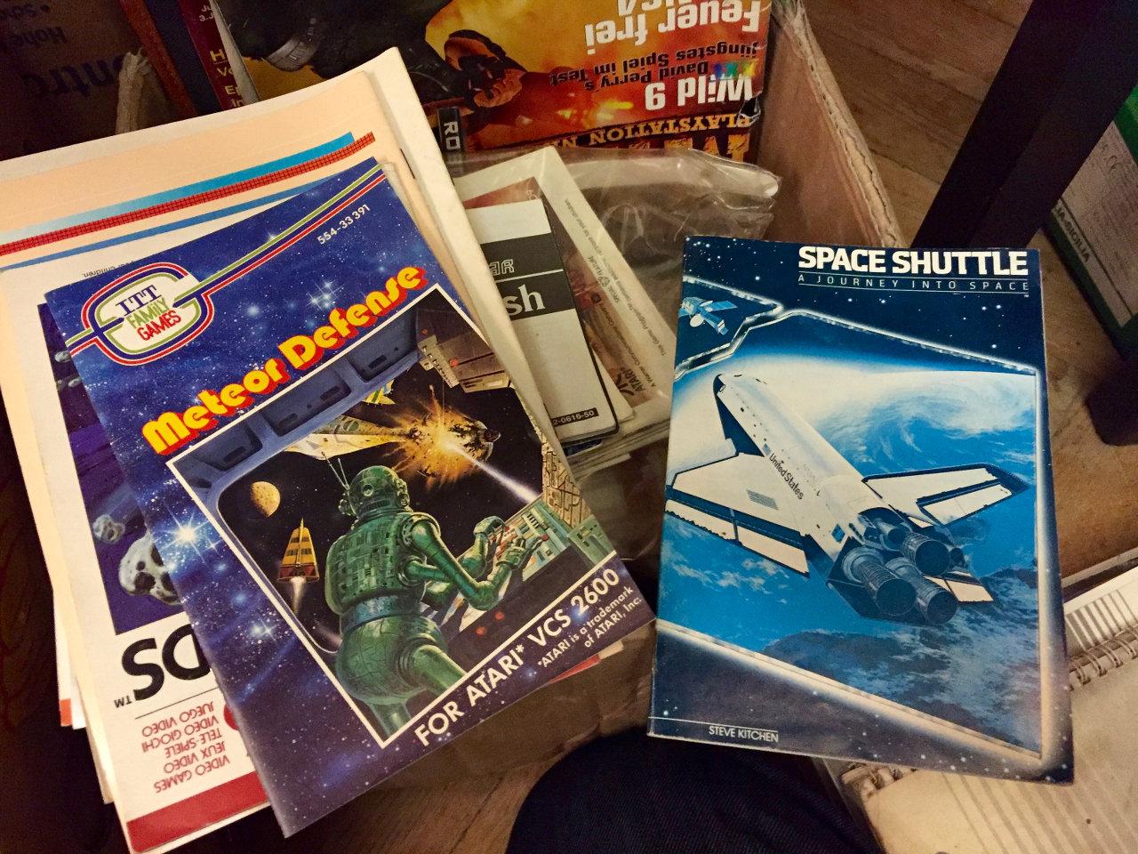 Anleitungen zu ITT-Games und dem legendären Space Shuttle von Steve Kitchen. (Bild: André Eymann)
