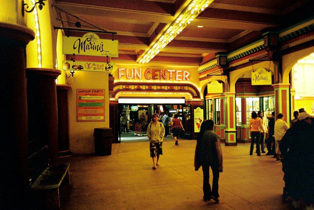 Das Fun Center in Santa Cruz. Spielen bis die Tore schliessen. (Bild: André Eymann)