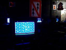 Alte Bekannte: eine Atari VCS mit Pac-Man. (Bild: André Eymann)