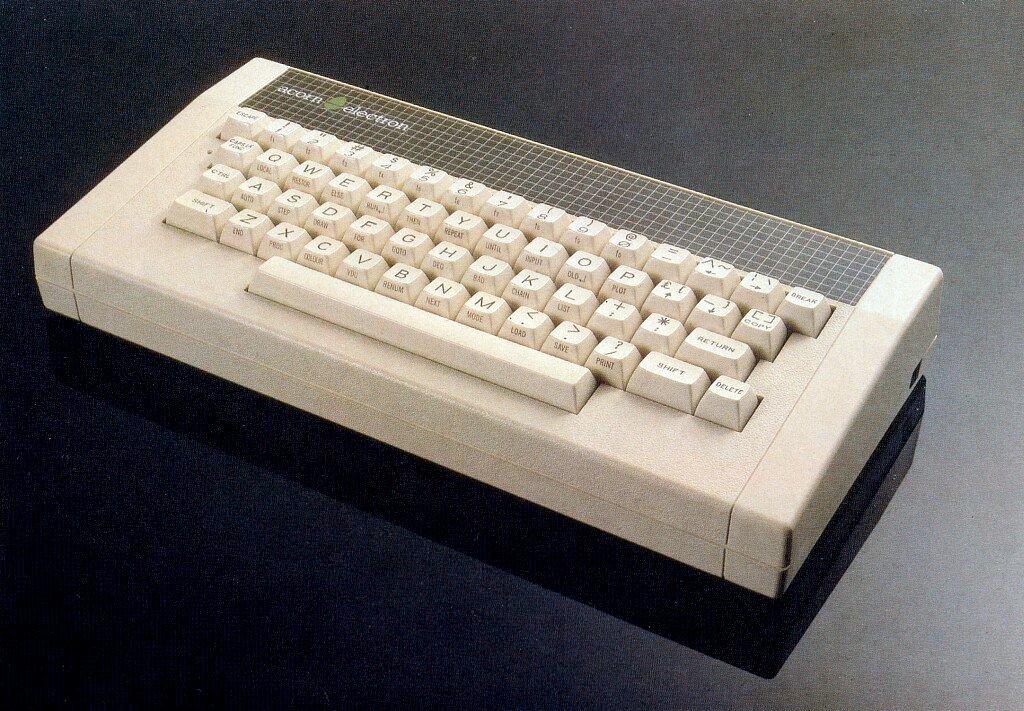 """Der acorn electron aus England bot eine echte Schreibmaschinentastatur und ein """"Shorthand-BASIC"""". (Bild: Vogel-Verlag)"""