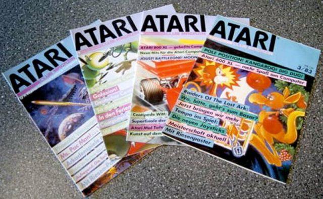 Eine Auswahl von Atari Club Magazinen. (Bild: Guido Frank)