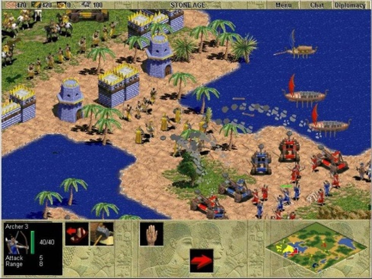Wenn die Karte passte, bevorzugte ich die Griechen wegen ihrer Seefahrer-Fertigkeiten. Die Age of Empires-Reihe zählt für mich ohnehin zum Besten auf dem PC. Nicht nur der Multiplayer-Modus, auch die Kampagnen hatten es mir angetan. AoE war anders als Command & Conquer, StarCraft oder Civilisation. Vor allem das frühzeitliche Setting mit unterschiedlichen Kulturen und Völkern fand ich faszinierend. Hier wurde Geschichte geschrieben; im wahrsten Sinne des Wortes. Und es war sehr umfangreich (zwölf Zivilisationen, vier Zeitalter, viele erforschbare Technologien und mehrere Spielmodi, von der Einzelspielerkampagne über diverse Mehrspielermodi bis hin zu einem Editor). Ich hatte bei keinem anderen Spiel so großen Spaß dabei, das eigene Dorf mit Schutzwällen und Wachtürmen zu befestigen und stetig technologisch upzugraden. Dies war auch nötig, denn Age of Empires war eines der ersten Spiele, das großen Wert auf Verteidigung legte. Die Vielfalt der Völker, Einheiten, Schiffe und Waffen war schon gewaltig. Und jede Einheit, jede Waffe und jedes Schiff konnte durch technische Weiterentwicklung aufgerüstet werden. Noch mehr Freude als Verteidigungsanlagen zu erstellen machte es mir –zugegebenermaßen-, mit einer bis an die Zähne aufgerüsteten Streitmacht von Katapulten, Kampf-Elefanten, Kavallerie, Pfeilgeschossen, Streitwagen und Rammböcken den Gegner zu überrennen. Einfach nur großartig. (Bild: Microsoft)
