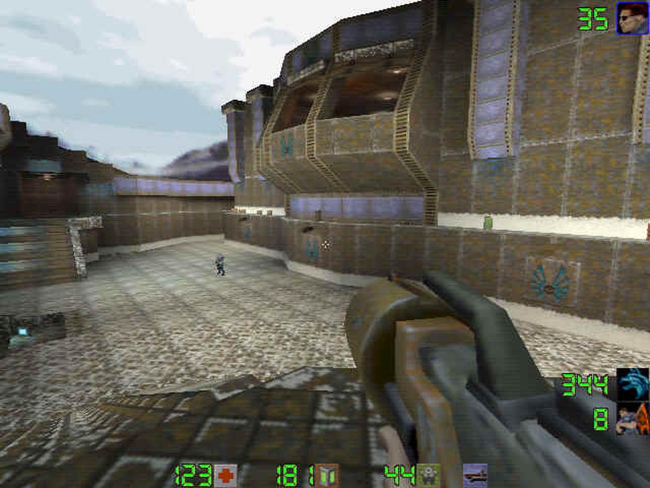 Quake II im LAN-Netzwerk war eine Offenbarung und für alle im Café eine neues Erlebnis. Anfangs sind daher auch viele rumgelaufen wie ein Haufen aufgescheuchter Hühner. Das hat sich aber schnell geändert. Quake haben wir oft und viel gespielt. Erst mehr Deathmatch; später hat sich das zu Gunsten von CTF verlagert. (Bild: id Software)