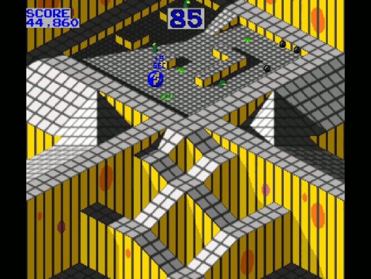 Die Murmel wurde beim Automaten präzise mit dem Trackball gesteuert, beim Amiga dagegen mit der Maus. (Bild: Atari)
