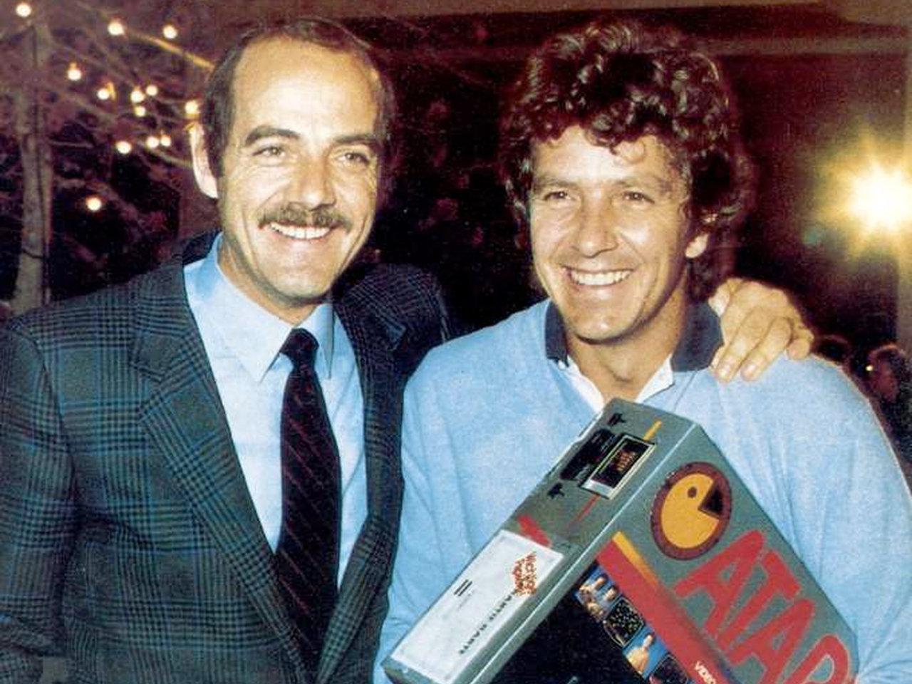Atari-Chef Klaus Ollmann mit dem Showmaster Michael Schanze. (Bild: Atari)