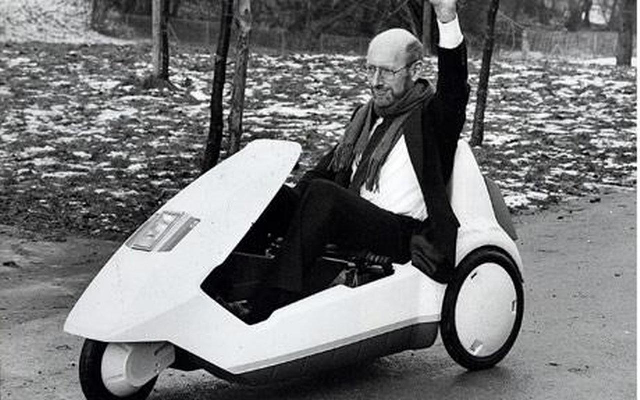 Clive Sinclair erobert das Königreich mit Taschenradios, Kleincomputern und Mobil-TVs, bevor sein C5-Elektroauto in die Pleite rollt.