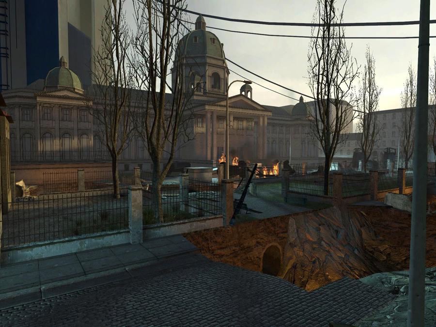 Endzeitstimmung im Zentrum von City 17. Rechts unten im Bild ist das freigelegte Kanalrohr zu sehen. (Bild: Valve)