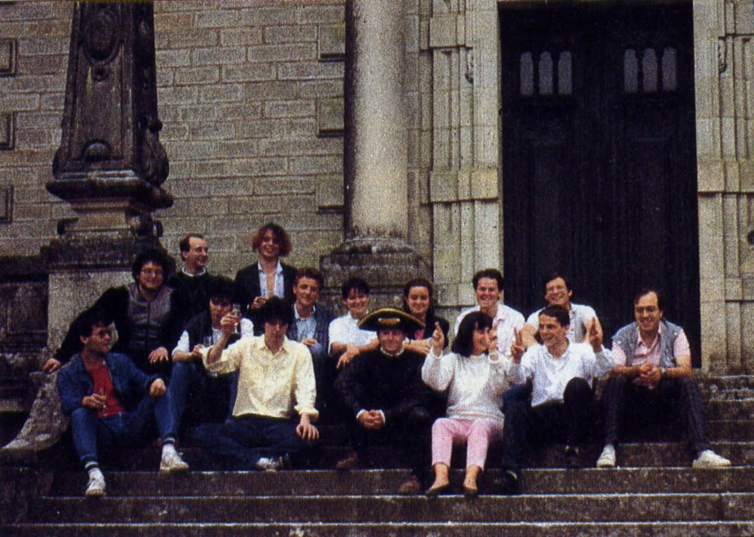"""Damals in der Bretagne: gegen Ende der 1980er Jahre bestand das Kernteam von """"Ubi-Soft"""" aus nur ca. 25 Entwicklern. (Bild: DMV-Verlag)"""