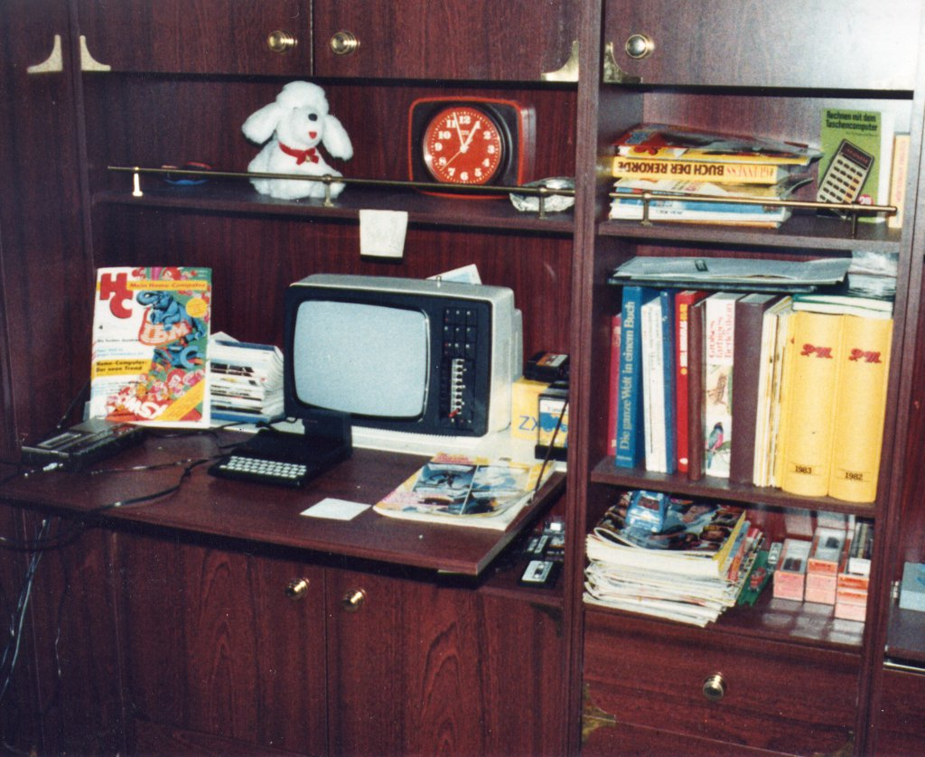 Das heimische Kinderzimmer im Jahre 1984 mit dem aufgebauten ZX81. (Bild: André Eymann)