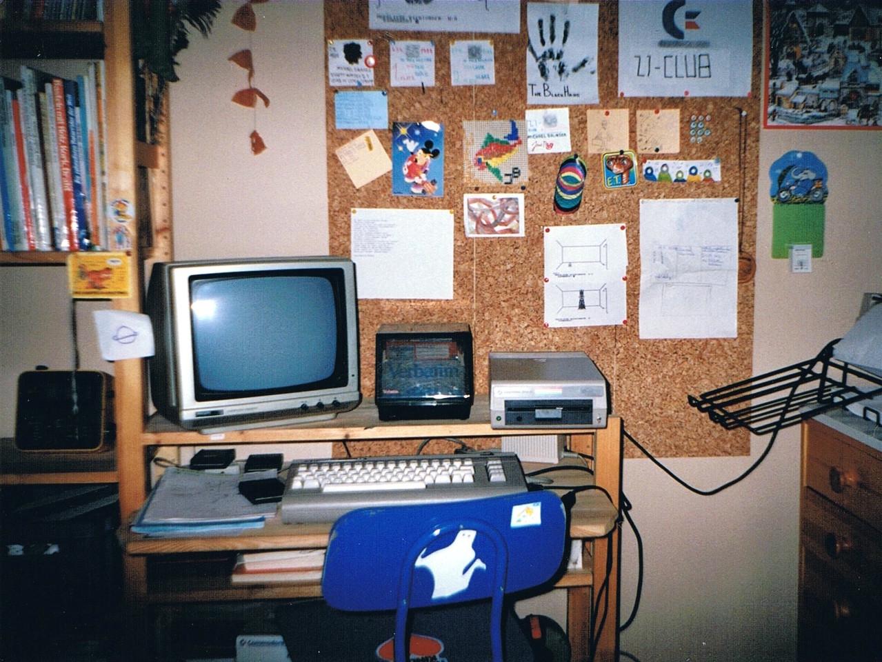 """Die """"Zentrale"""" im Kinderzimmer, Dezember 1988. (Bild: Jan Beta)"""