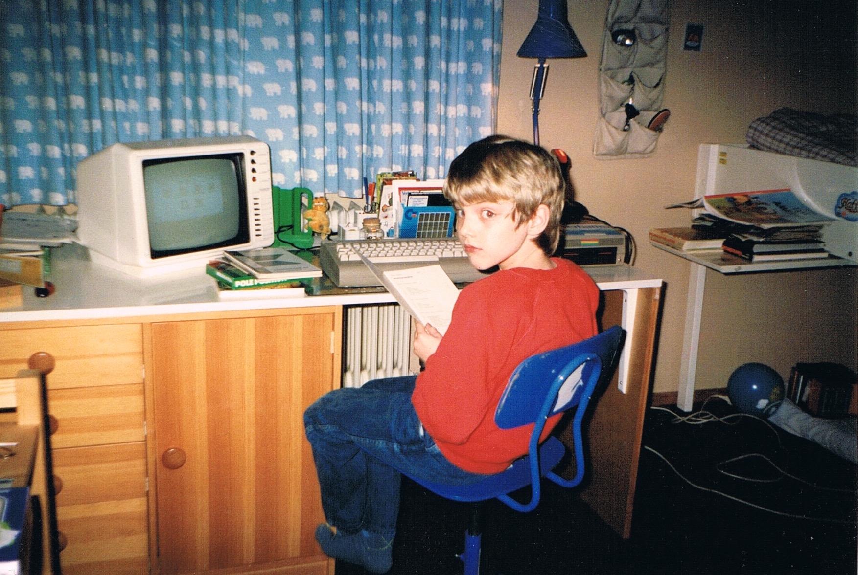 Schicksalhafte Begegnung: Jan und der erste eigene C64, Weihnachten 1987. (Bild: Jan Beta)