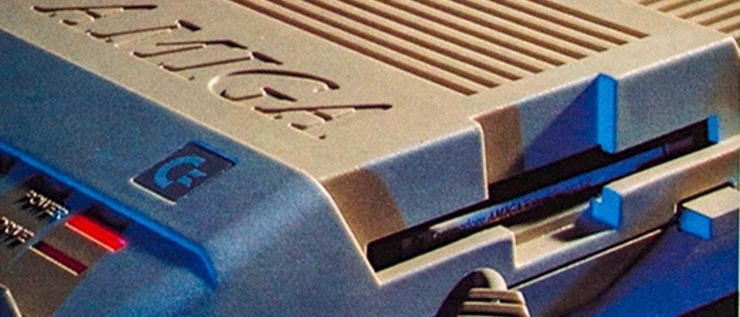 Alles integriert - auch ein 3 ½-Zoll Diskettenlaufwerk fand Platz im flachen Gehäuse des Amiga 500. (Bild: Stephan Ricken)