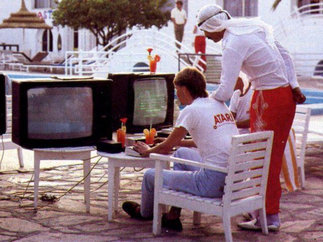 Spielen und Lernen. Computercamps waren in den 1980er Jahren eine innovative Einrichtung. (Bild: IDG Verlag)