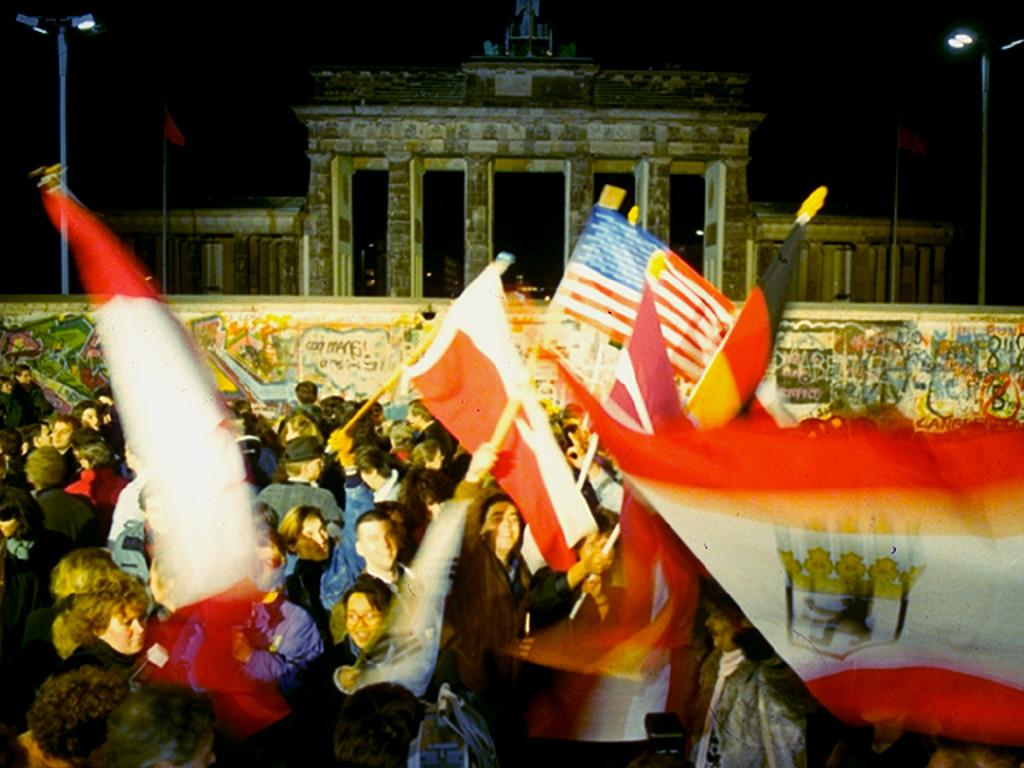 Brandenburger Tor - Die Berliner Mauer fällt. (Bild: Sunflowers)