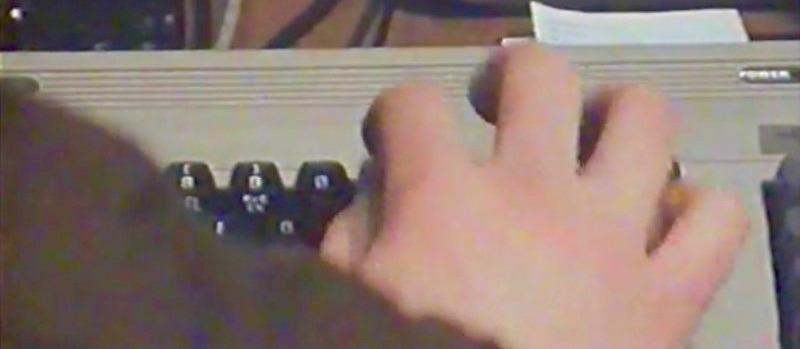 Mühsam wurde jede Zeile von Hand einprogrammiert. (Bild: Heimcomputer auf dem Vormarsch, BR Dokumentation)