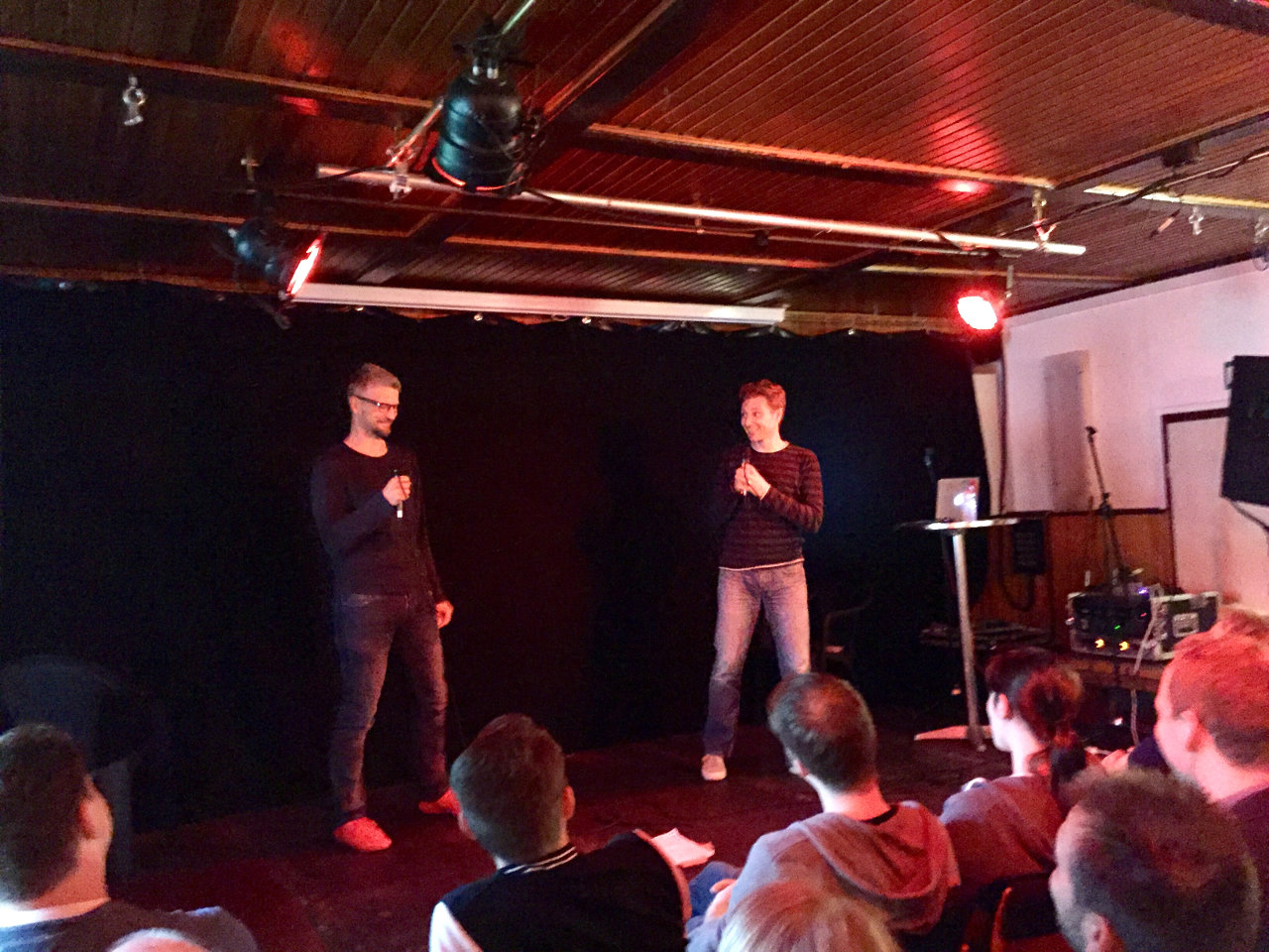 Gespräche von zwei alten Männern. Stay Forever Live in Hamburg. (Bild: André Eymann)
