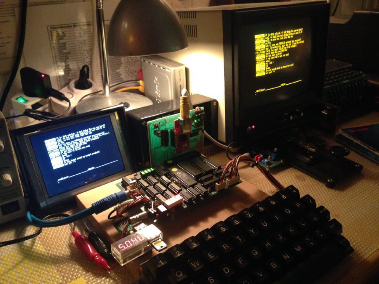 Ein moderner ZX-NU (ZX81-Clone) mit USB, Netzwerk und Sound im Chat. (Bild: Jens Sommerfeld)