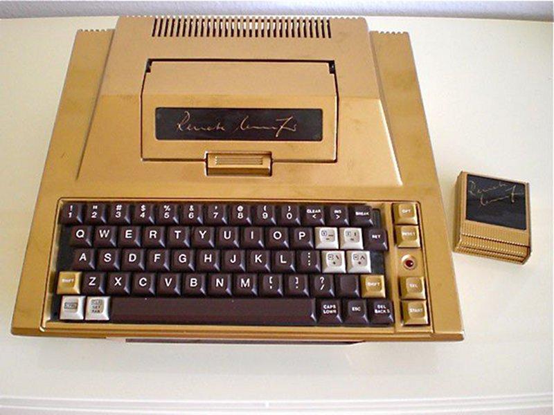 Ein sehr seltenes Atari 400 Sondermodell für Renate Knüfer. Auflage: ein Stück; inkl. Tastaturblock-Umbau. (Bild: Renate Knüfer)