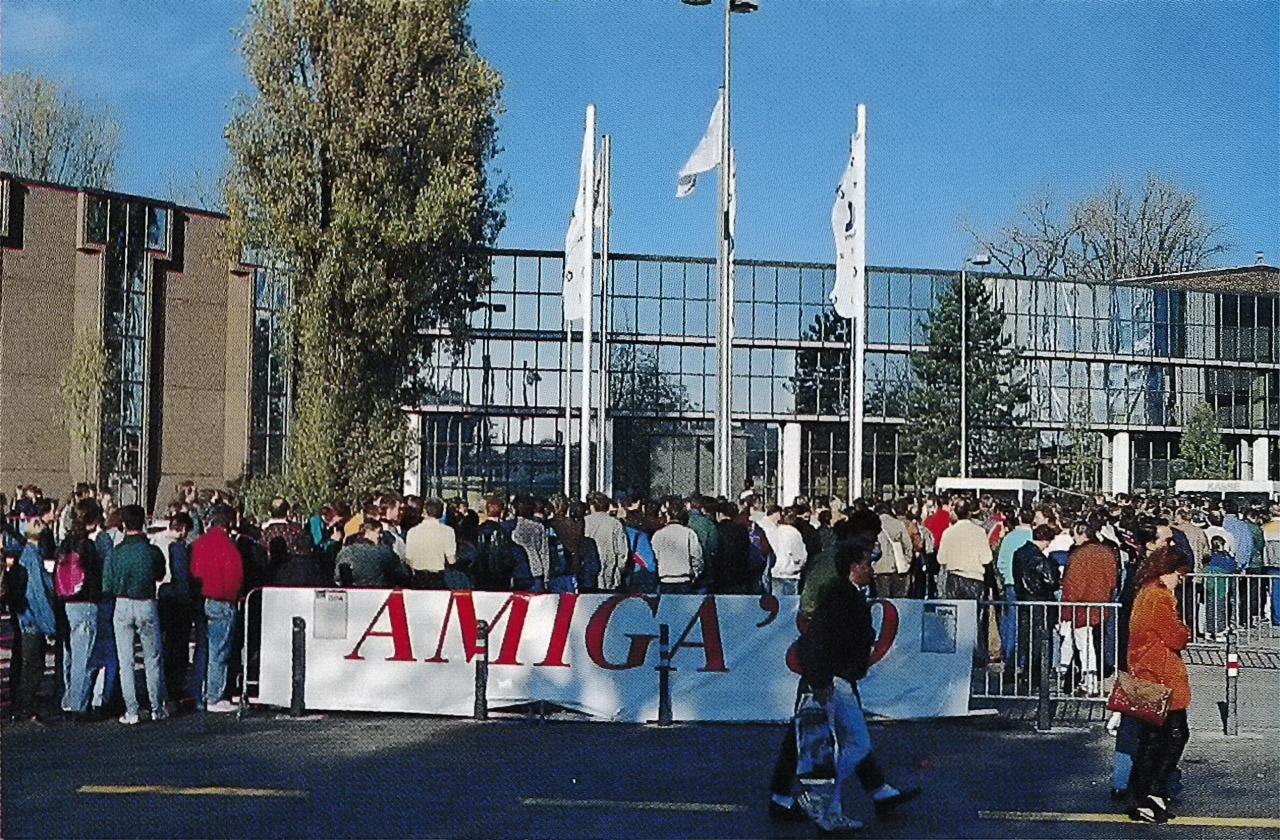 AMIGA'89 Halle 6 (Bild: (c)1990 Stein, Welchering & Partner, Markt & Technik Verlag.)