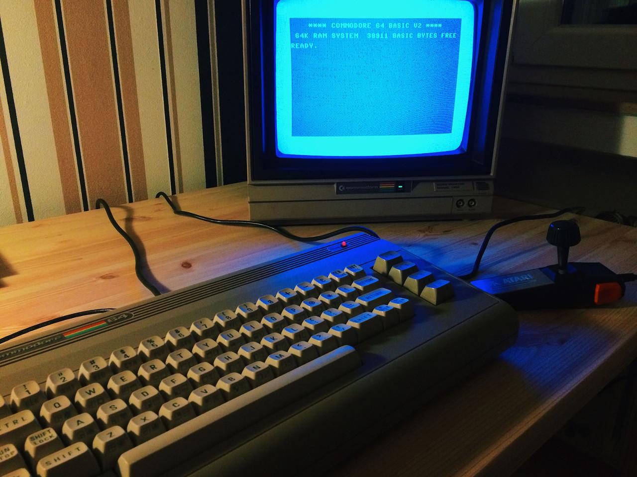 Kinderzimmer Reloaded. Der Faszination eines Commodore 64 kann man sich nur schwer entziehen. (Bild: Stefan Vogt)