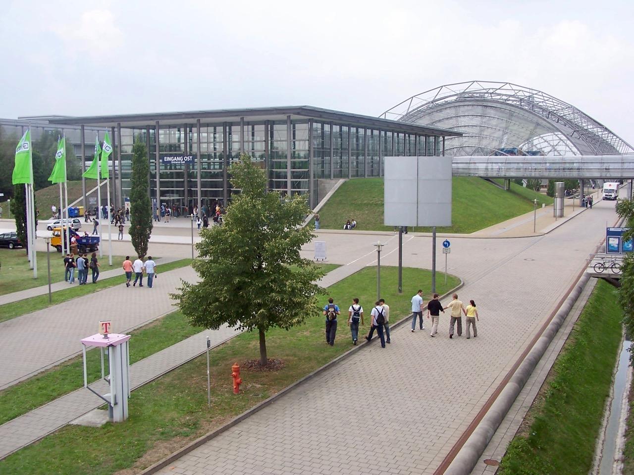 Der Eingang Ost des Leipziger Messegeländes. (Bild: André Eymann)