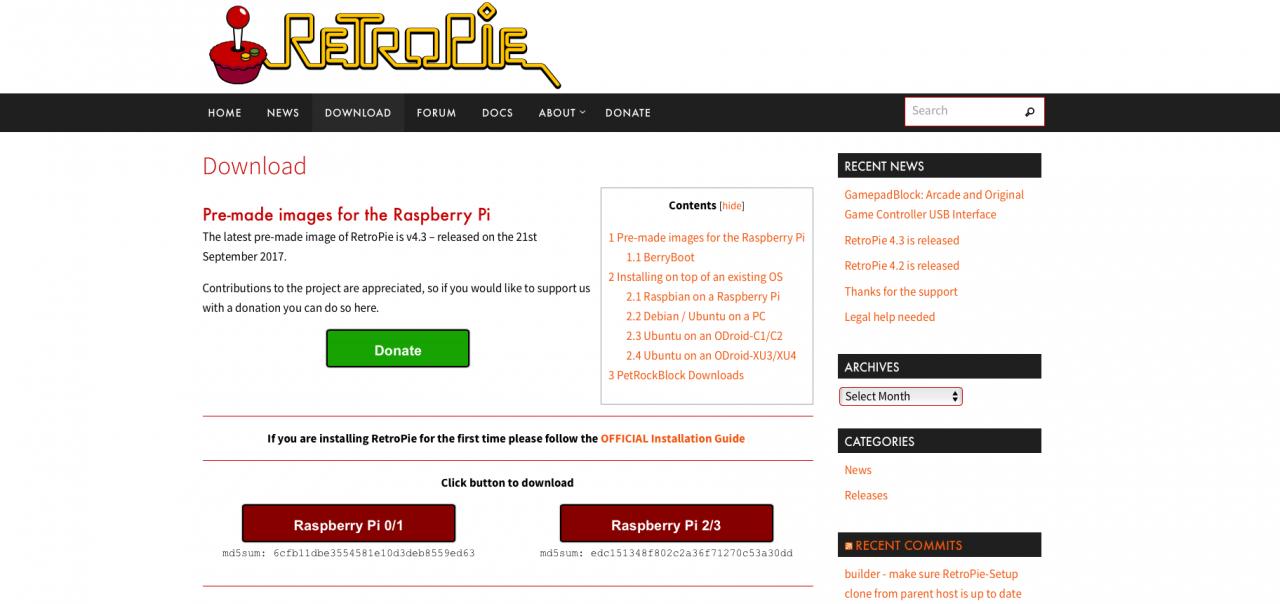 Auf der Webseite von RetroPie lädt man das Betriebssystem für unseren Pi herunter. Dieses wird dann mit Etcher auf die microSD-Karte geschrieben. (Bild: André Eymann)