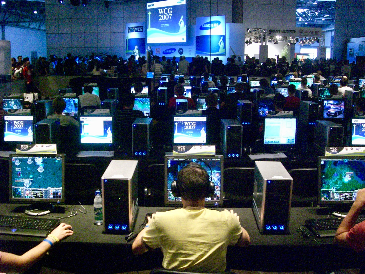 E-Sport auf der GC. Die World Cyber Games (WCG) waren ein offizieller Teil der Messe. (Bild: André Eymann)