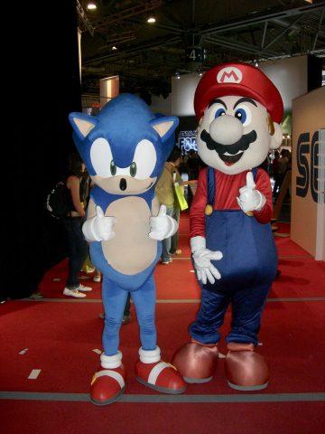 Ikonische Freunde: Sonic und Mario Seite an Seite. (Bild: André Eymann)