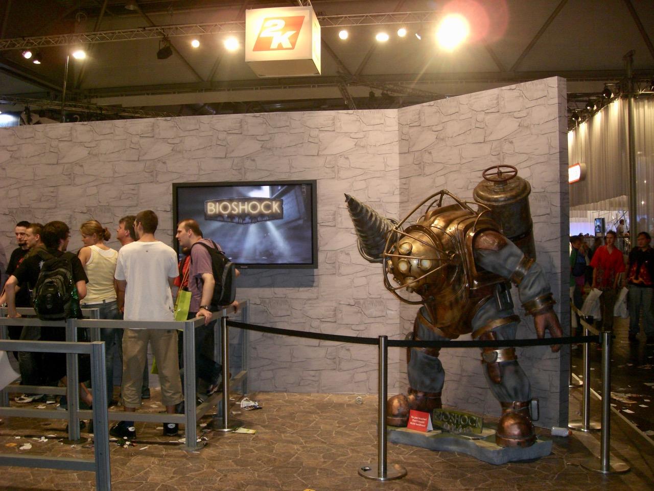 Am Stand von 2K. BioShock wollte ich unbedingt testspielen. (Bild: André Eymann)