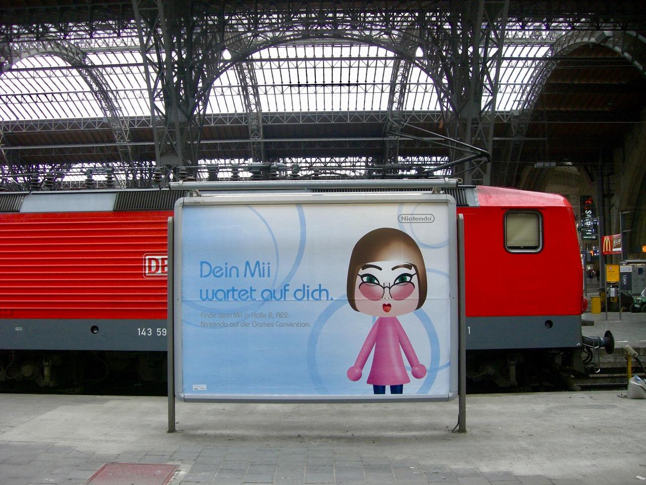"""""""Dein Mii wartet auf dich."""" - Werbung von Nintendo im Hauptbahnhof Leipzig. (Bild: André Eymann)"""