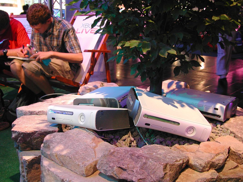 Microsofts neue Spielkonsole Xbox 360 soll zum Weihnachtsfest 2005 erhältlich sein. (Bild: Andre Eymann)