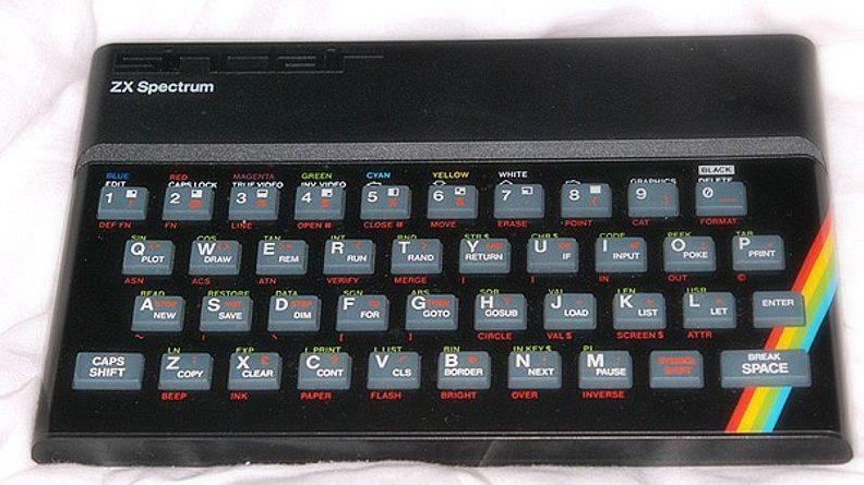 Das 16k-Modell des ZX Spectrum kam in Großbritannien im April 1982 auf den Markt und schlug mit 125 Pfund zu Buche. Für das 48k-Modell waren weitere 50 Pfund fällig. (Bild: Dirk Mayer)