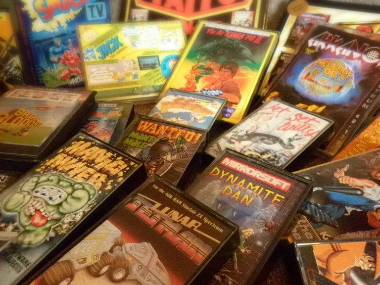 Einige Originale aus meiner Sammlung. Bis ca. 1986 herum fand man Spectrum-Spiele noch in vielen deutschen Geschäften. (Bild: Dirk Mayer)