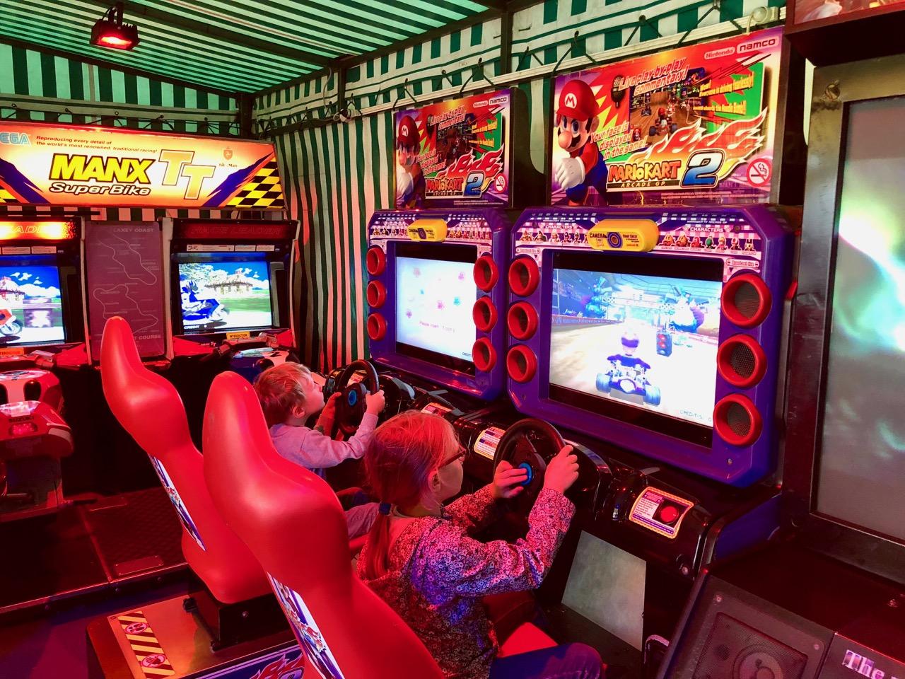 Zweispieler-Spaß mit Mario Kart 2 Arcade GP. (Bild: André Eymann)