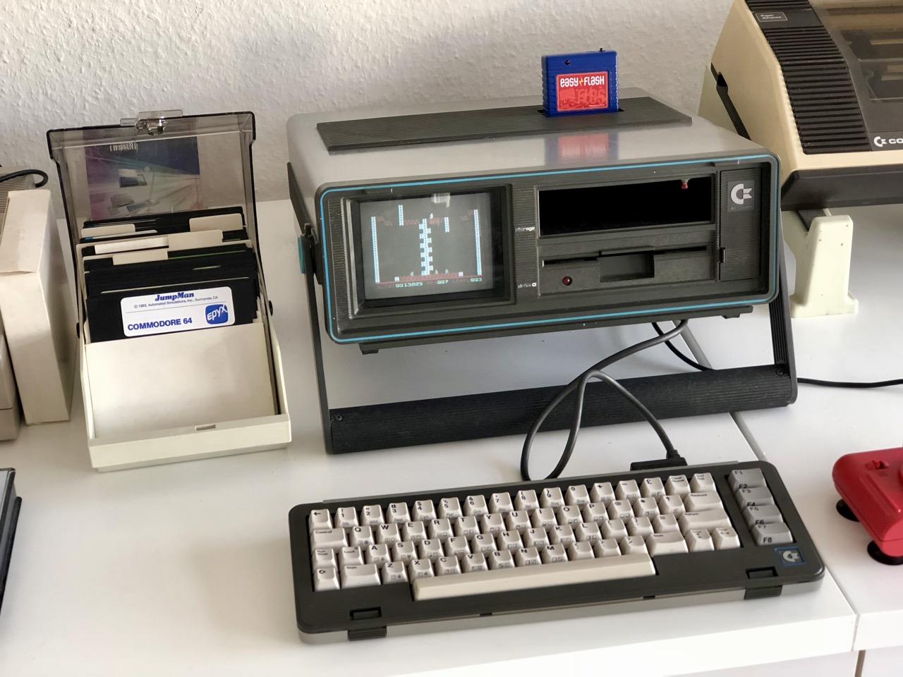 Der Commdore SX-64 im Heimcomputer-Bereich. (Bild: André Eymann)