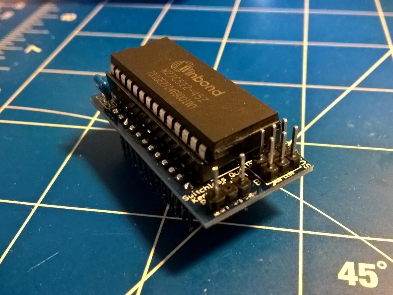 Einbau eines Ersatz-ROM in einen C64 oder VIC20. (Bild: Thilo Niewöhner)