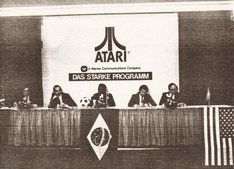Atari Pressekonferenz am 5. Mai 1981 in Hamburg mit Pelé und Klaus Ollmann. (Bild: Klaus Ollmann)