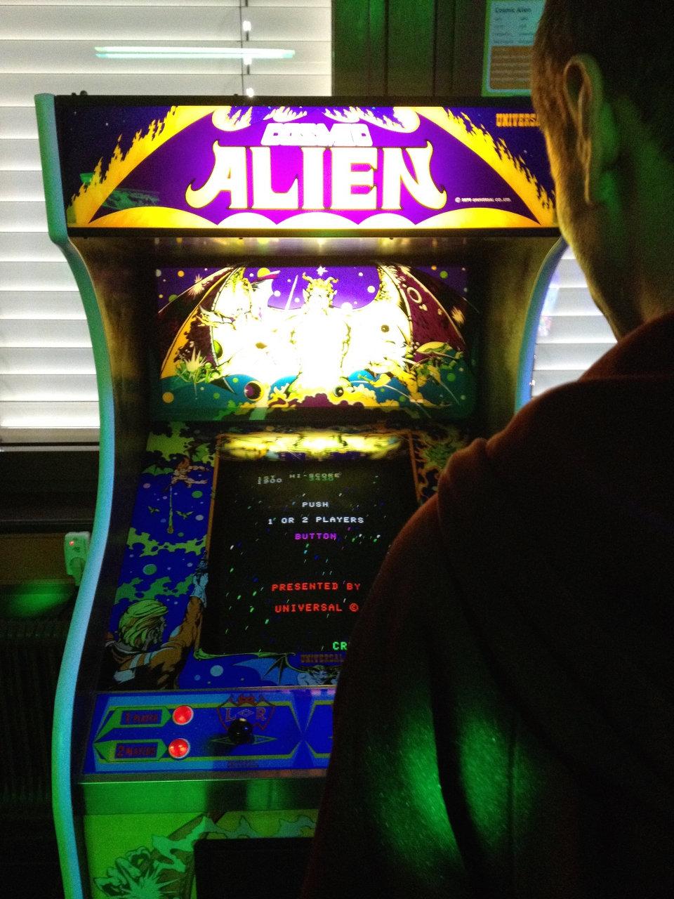 Comsic Alien von Universal bietet ein auffälliges Weltraum-Artwork. (Bild: André Eymann)
