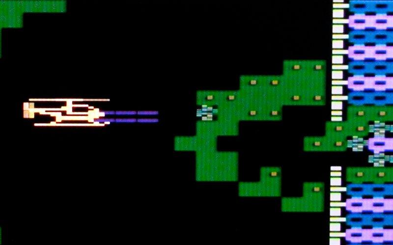 Im Höhlensystem von Fort Apocalypse. Ziel der Mission ist es, den feindlichen Reaktor, der sich im Kern des Systems befindet, zu zerstören. (Bild: André Eymann)