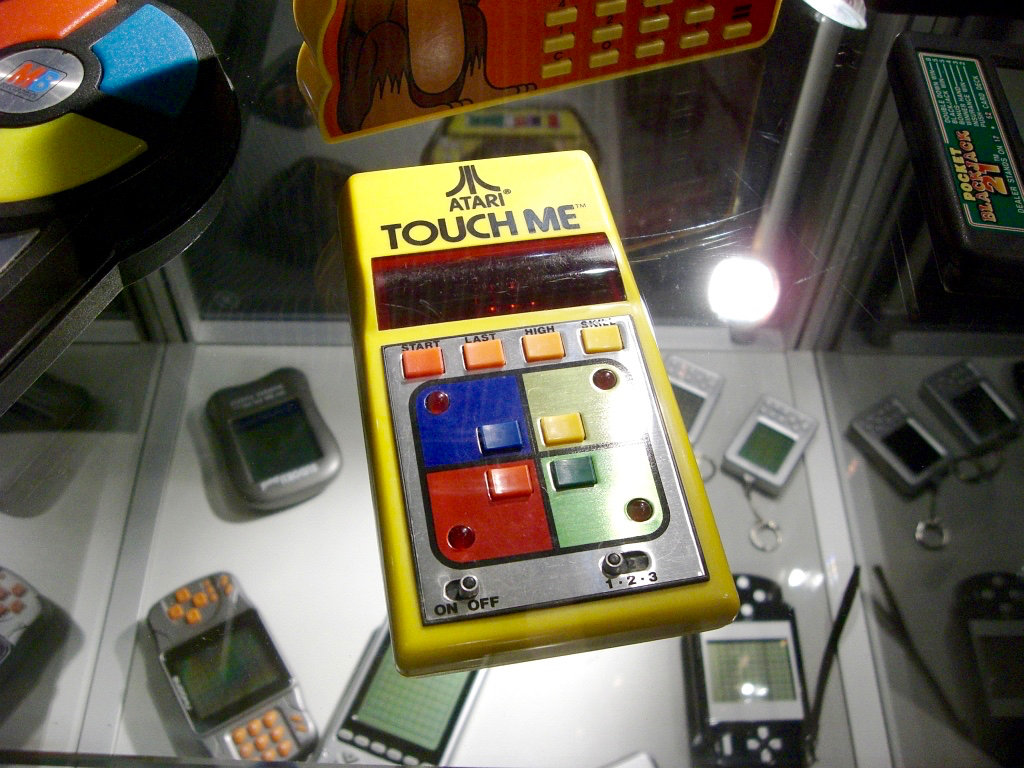 """Beim Atari Touch Me von 1978 musste man, ähnlich wie beim """"Simon"""", Töne nachspielen. (Bild: André Eymann)"""