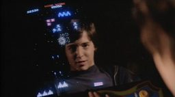 David Lightman spielt mit einem Galaga Automaten. (Bild: United Artists)