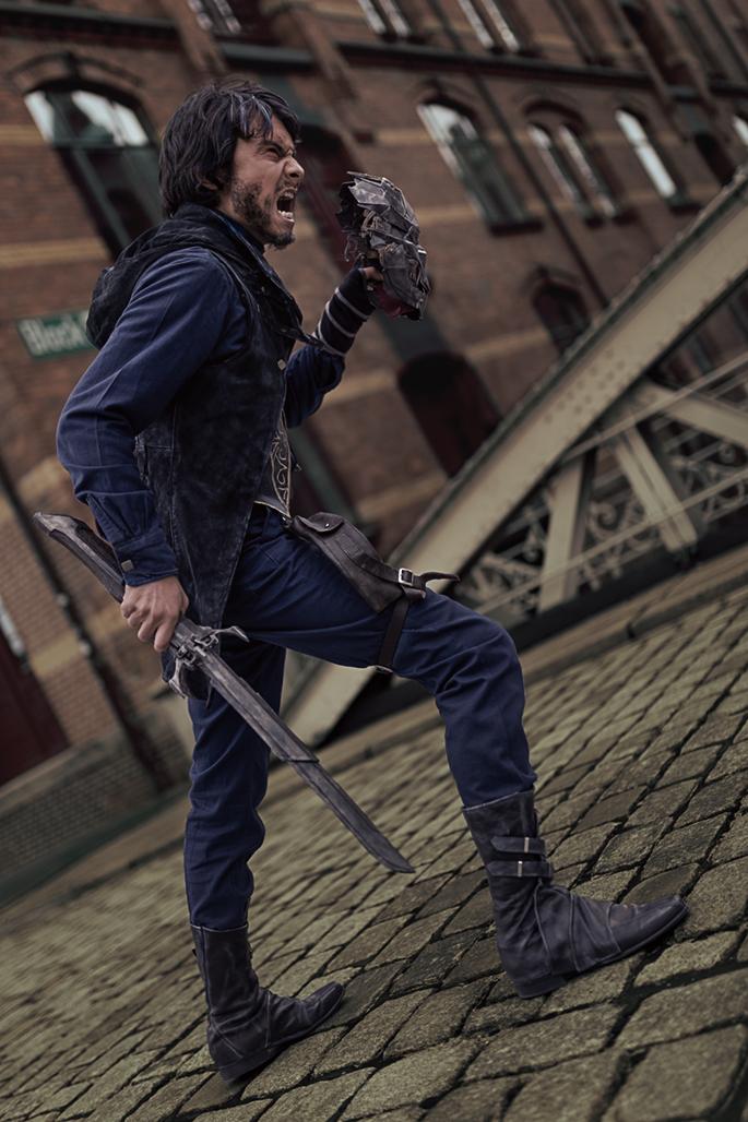 Corvo Attano aus dem Spiel Dishonored 2 von Bethesda. Model: Krishna, Instagram: @kadart_cosplay. Facebook: @kadartcosplay. Twitter: @KrishnaDammert. (Foto: Annika Witt)