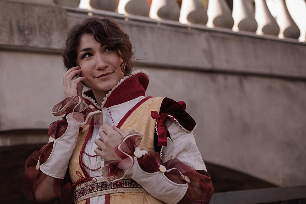 Cristina Vespucci aus dem Spiel Assassins Creed Brotherhood von Ubisoft. Model: Marianne, Instagram: @atelierlalicorne. Facebook: @AtelierLalicorne.