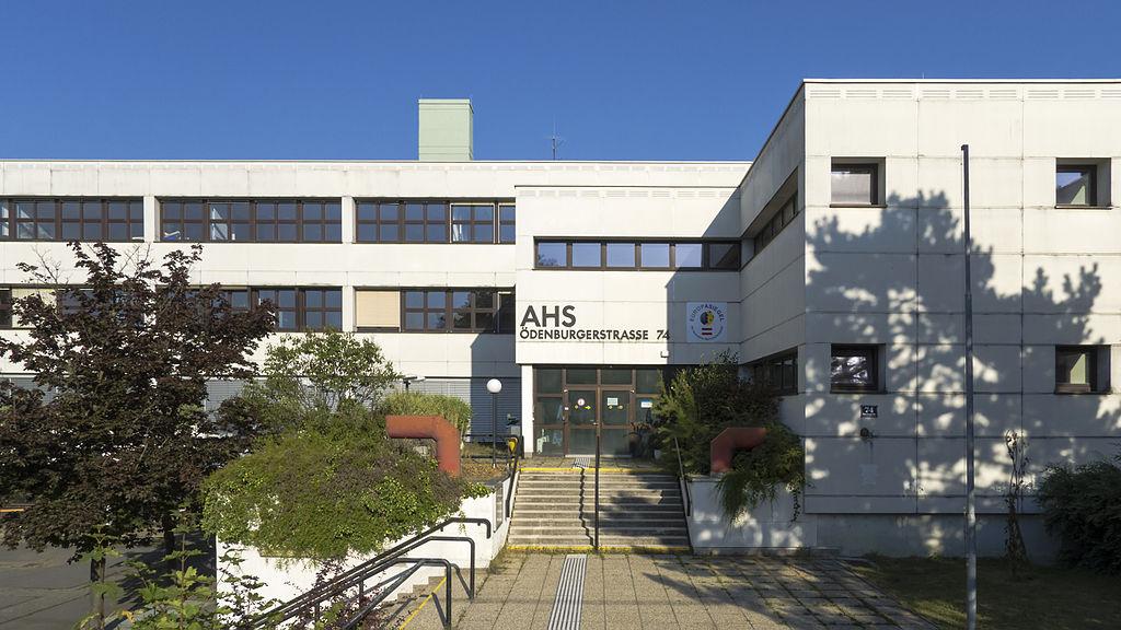 Das Gymnasium und Realgymnasium im 21. Wiener Gemeindebezirk besuchte ich 4 lange Jahre. (Foto: Gugrell/Wikipedia)