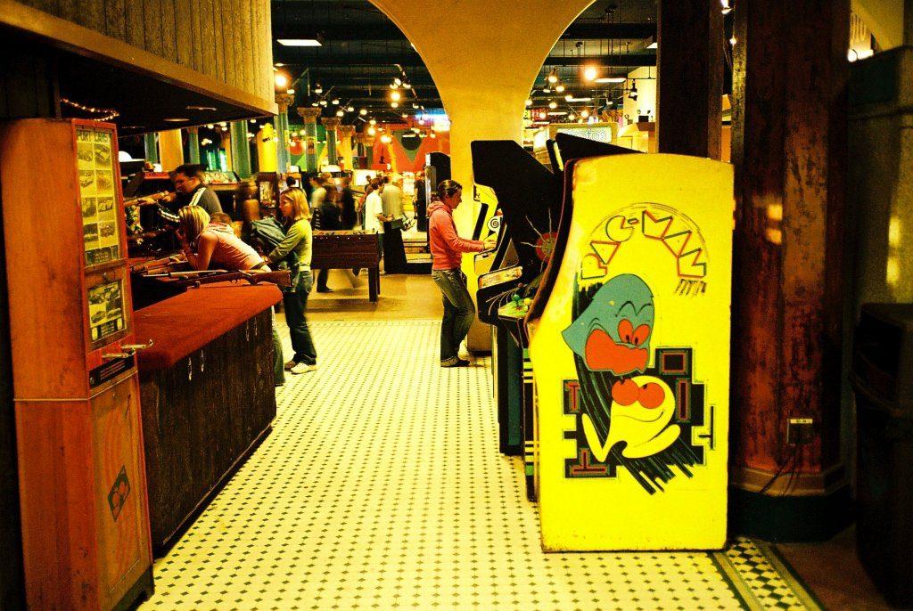 Auf Geisterjagd im Fun Center. Videospiele fördern Geschicklichkeit und Ausdauer. (Bild: André Eymann)