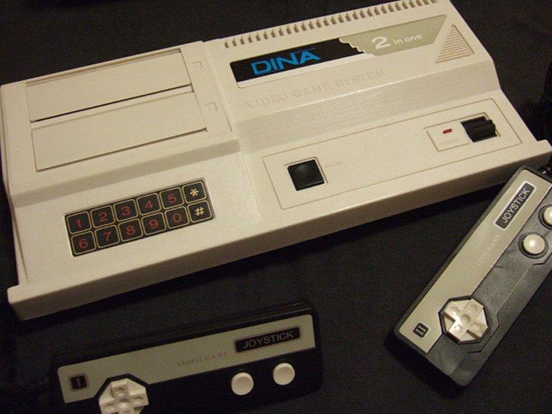 Das Dina 2 in 1, ebenfalls von der Bit Corporation wurde in den USA von Telegames als Personal Arcade verkauft. (Bild: Torsten Othmer)
