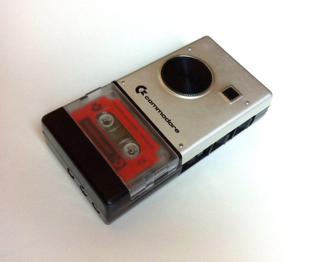Seltenes Stück: ein Voice Recorder von Commodore. (Bild: Domingo Fivoli)