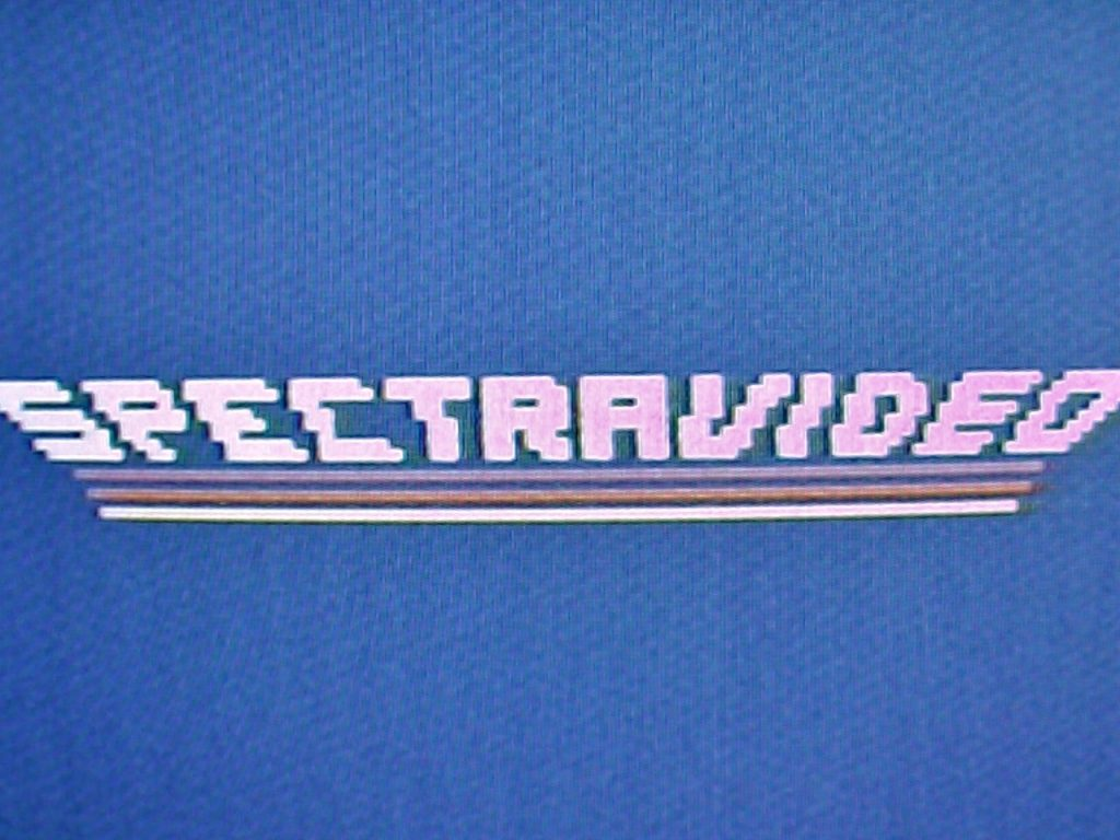 Dieser Schriftzug erschien direkt nach dem Einschalten des Spectravideo SV-328 auf dem Fernsehbildschirm. Sekunden später zeigte sich dann der Startbildschirm mit dem blinkenden Cursor. Wow, dachte ich mir - das ging ja einfach. Sogar der TV-Kanal war derselbe wie bei meinem ColecoVision-Videospiel. (Bild: Torsten Othmer)