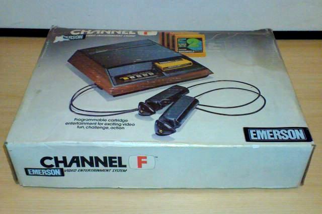 Verpackung des Emerson Videoplay System. (Bild: Fredric Blåholtz)